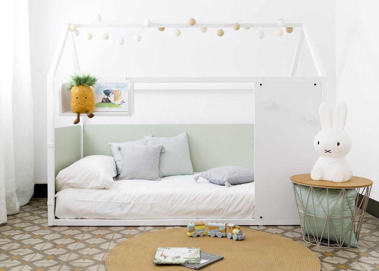 Cama casinha com cabide estrelas 2 cores