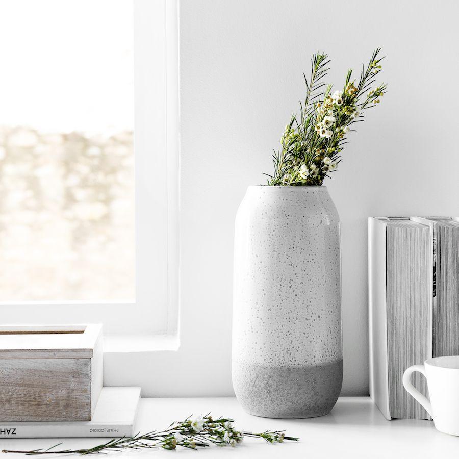 Rustic jarrón gris