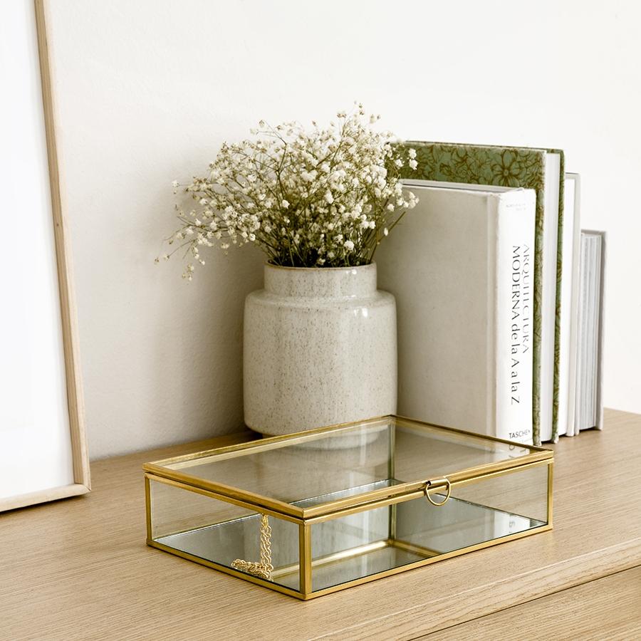Glass caja dorada